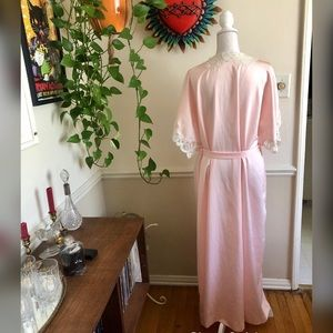Vintage Intimates & Sleepwear - Vintage Light Pink Satin Robe with Lace Sleeves